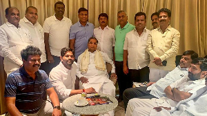 Karnataka: Rebel MLAs write to police, seek protection from Congress
